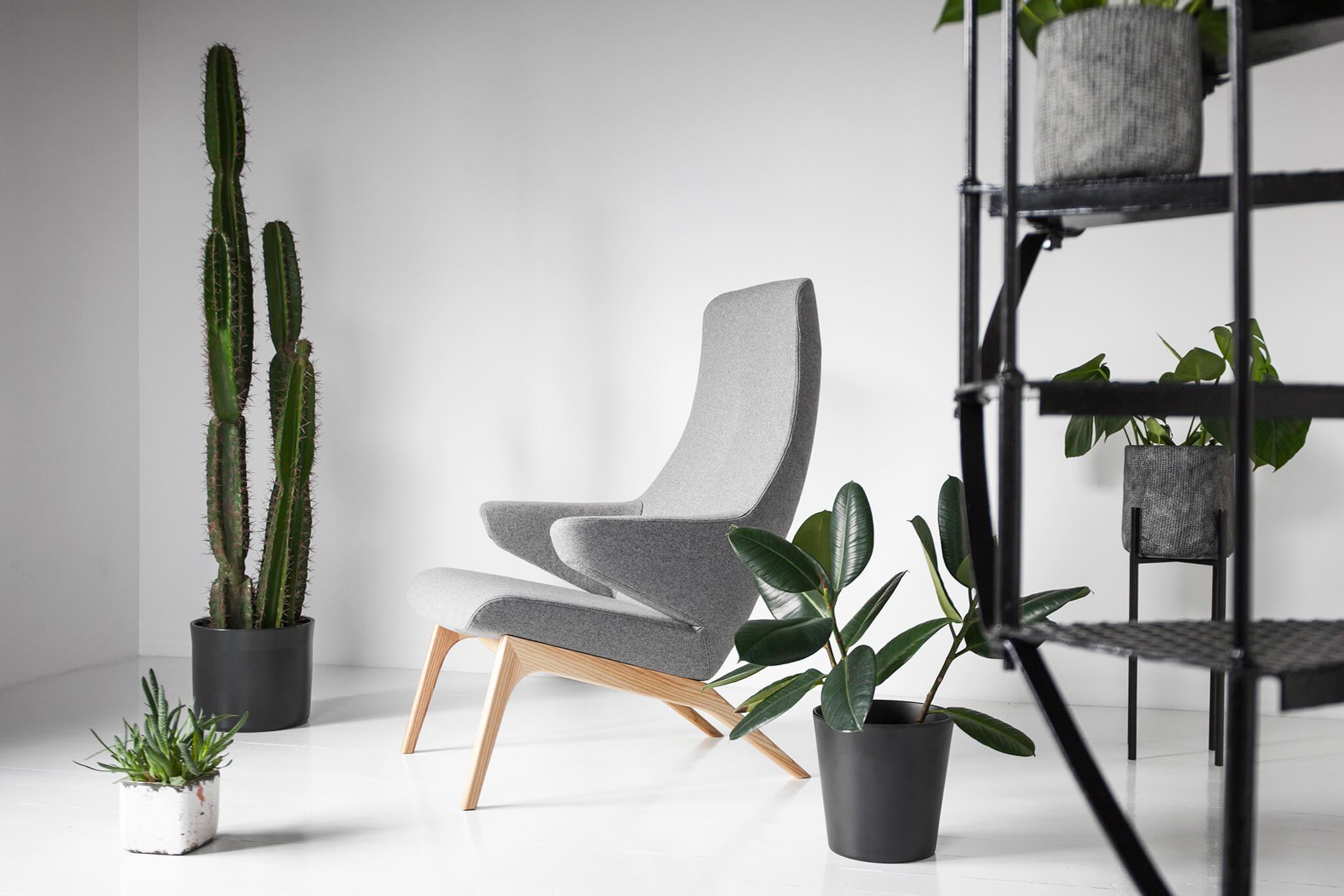 OOT-OOT_Studio_armchair_VOOG-wooly-light-grey-vv nordica